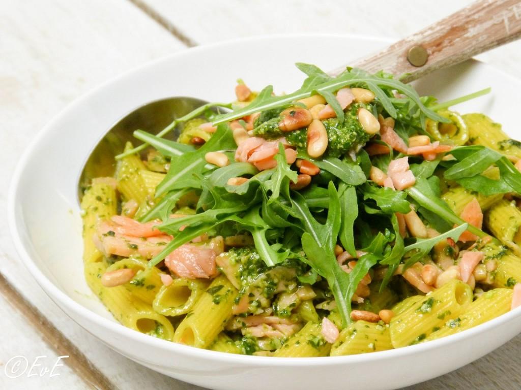 pasta pesto met zalm